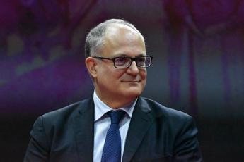 Gualtieri: Serve sforzo Ue maggiore con coronabond