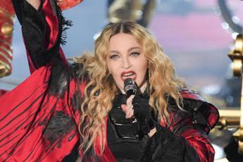 Coronavirus, Madonna: ''Grata di poter sostenere ricerca'' e chiarisce: ''sono guarita''