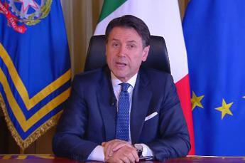 Coronavirus, Conte: Multe da 400 a 3000 euro