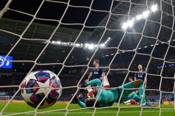 Coronavirus, stop a Champions e Europa League