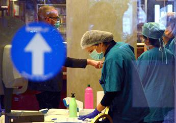 Coronavirus, calano decessi in Italia: 174 nelle ultime 24 ore