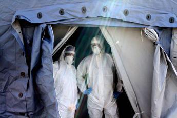 Coronavirus, oltre 15300 morti in Italia