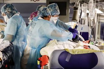 Coronavirus, più di 12mila morti in Francia