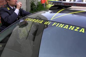 Roma, cocaina dal Sud America: sequestrati 120 chili di droga