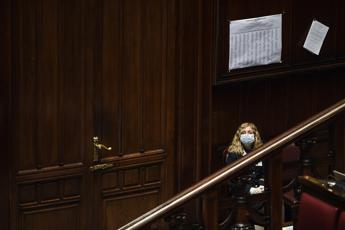 Camera, 28 deputati in quarantena fiduciaria
