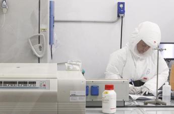 Sanofi: Vaccino prima agli Usa. Poi la marcia indietro