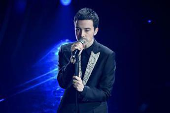 Diodato canta da solo all'Arena di Verona per 'Europe Shine a Light'