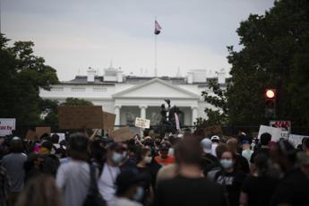 Proteste in Usa, Trump fortifica la Casa Bianca