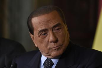 Ruby Ter, processo stralcio a Berlusconi a Siena: chiesto rinvio per malattia