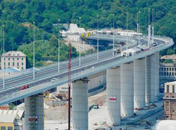 Genova, pronto il nuovo ponte. Conte: E' l'Italia che si rialza