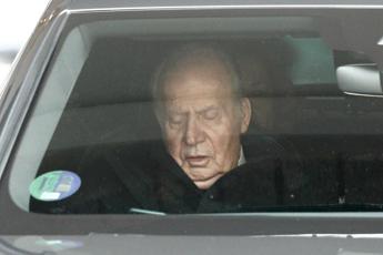 Vice premier Spagna: Juan Carlos non è latitante
