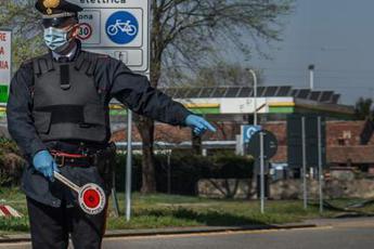 Covid, zone rosse per evitare lockdown