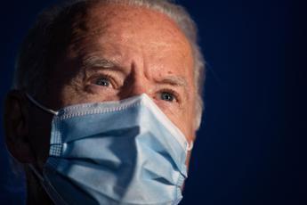 Biden: Nulla di macho nel rifiutare la mascherina
