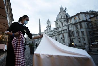 Covid Lazio, oggi 946 contagi e Rt sotto 1: i dati