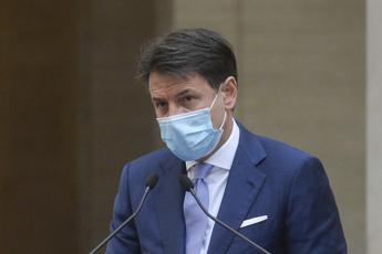 Covid, Conte: dialogo con Forza Italia ma perimetro governo resta invariato