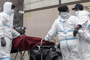 Covid Usa, oltre 20 mln di contagi. Morto senatore repubblicano
