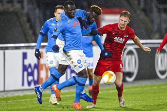 Az Alkmaar-Napoli 1-1, qualificazione rimandata
