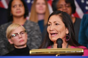 Usa, Biden sceglie nativa americana in governo: è prima volta