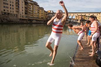 Capodanno, Giani rinuncia al tradizionale tuffo a Firenze