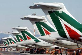 Tre offerte per Alitalia