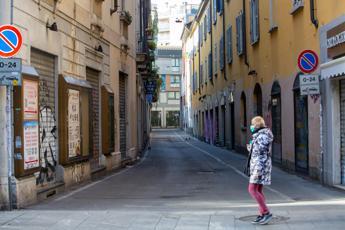 Ricciardi: Lockdown mirati a Milano e Napoli