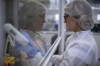 Coronavirus, quasi 70mila morti nel mondo