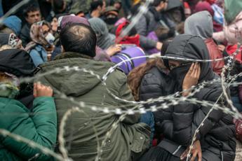 Migranti, Turchia apre frontiere ma Grecia blocca 10mila persone