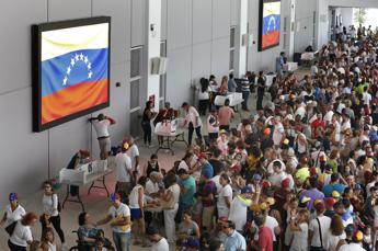 Venezuela, sangue sul referendum anti Maduro: 2 morti