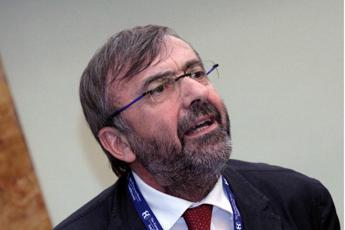 Calabria, Zuccatelli si dimette