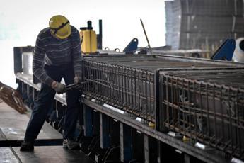 Confindustria: Pil -8% nel II trimestre, si rischia ritorno indietro di 40 anni