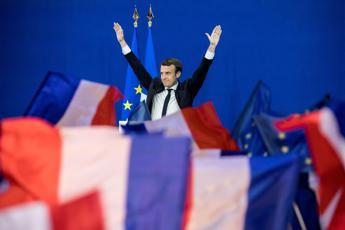 Francia, sollievo Ue e festa su mercati: Juncker incoraggia Macron