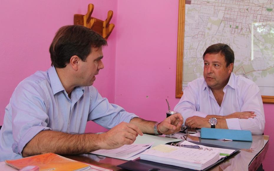 Resultado de imagen para El gobernador, Alberto Weretilneck, recibió al intendente de El Bolsón, Bruno Pogliano