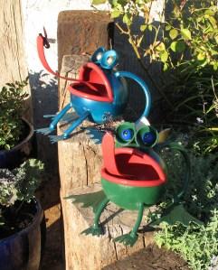 two froggies, metal art