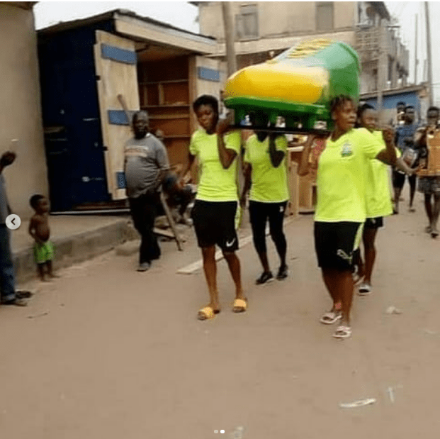 Ghanaian female footballer laid to rest in a boot-shaped casket (Photos) 3