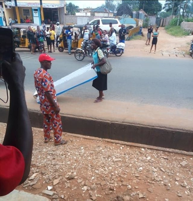 Woman gifts husband branded coffin on Father's Day (Photo) - Adomonline.com