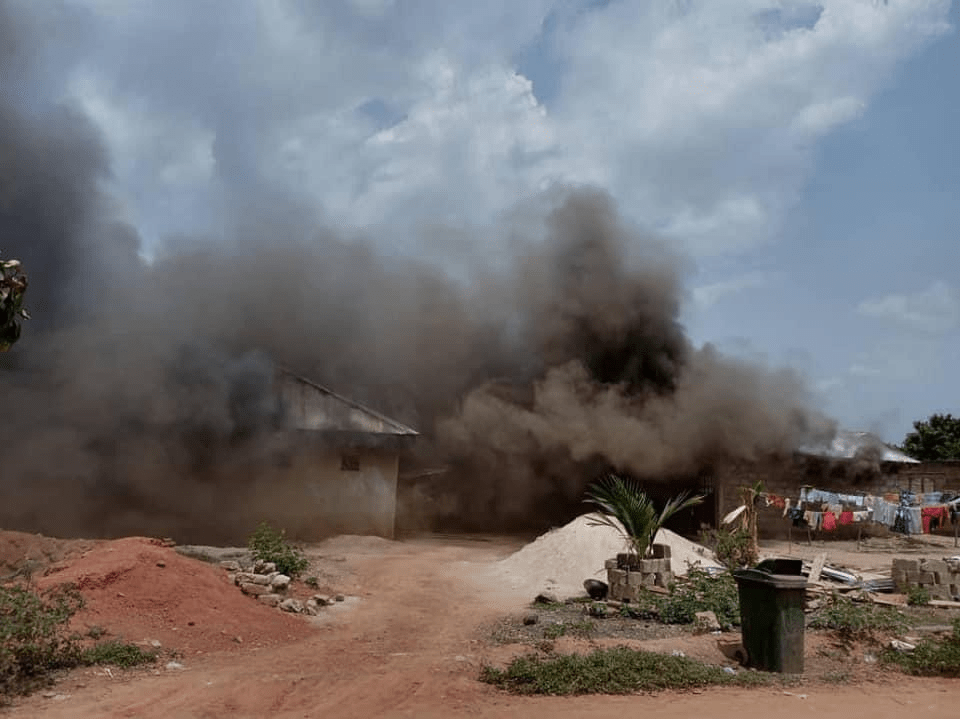 Fire sweeps through 13 apartments in Sunyani 2