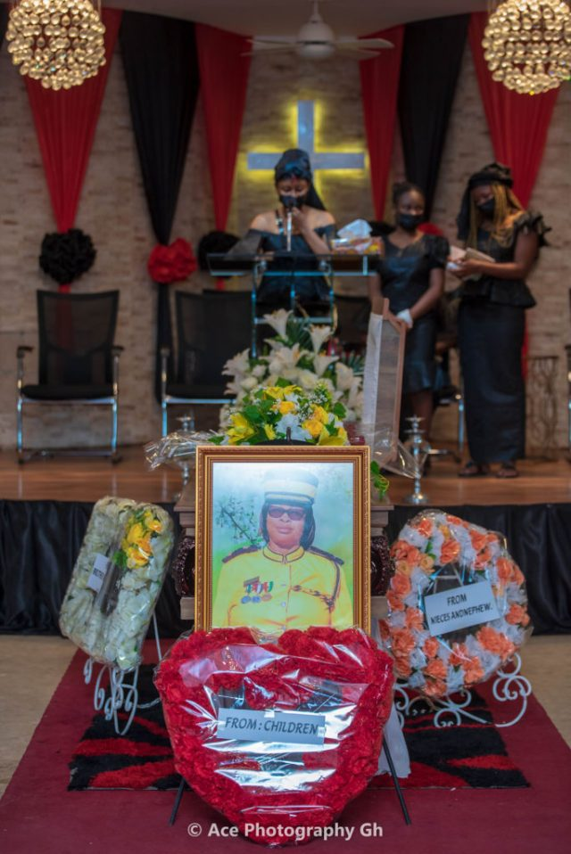 Abiana reads tribute for late mother, Esther Mawusi Kofitse, following her sad departure on the 14th of July after a short illness.