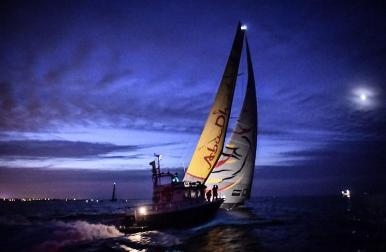 2014-15, VOR, Volvo Ocean Race, Abu Dhabi Ocean Racing, night, arrivals
