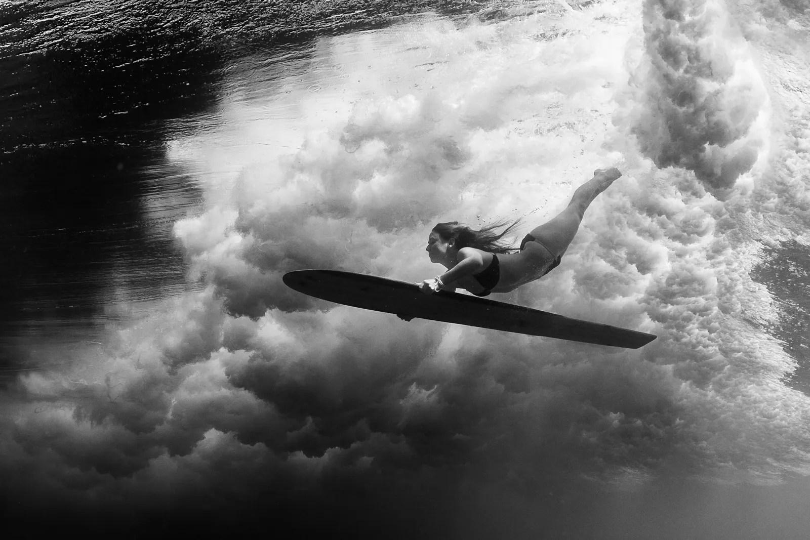 Girl On Surfboard Wallpaper Meet A Pro Sarah Lee Artist Of The Deep Adorama