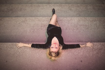 Title: Walking The Crew Concept: A Downstairs Affair Model: @fleurs.d.anu MakeUp and Hair: @julie_noir . . .