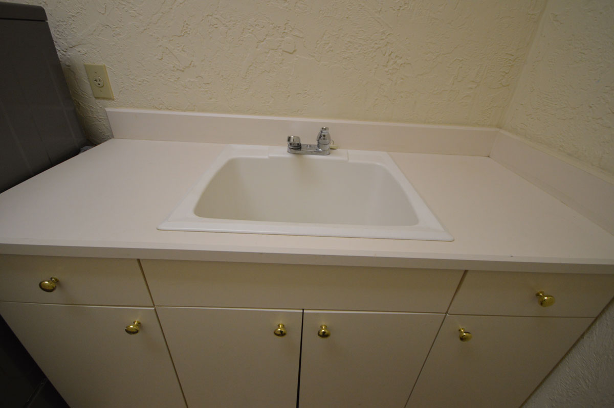 Selecting a sink for your countertop  ADP Surfaces Orlando