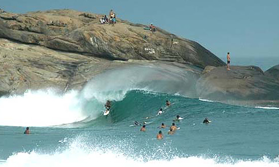 Arpoador, um dos melhores picos de surf do Brasil