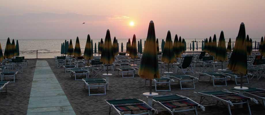 Risultati immagini per pesaro spiaggia