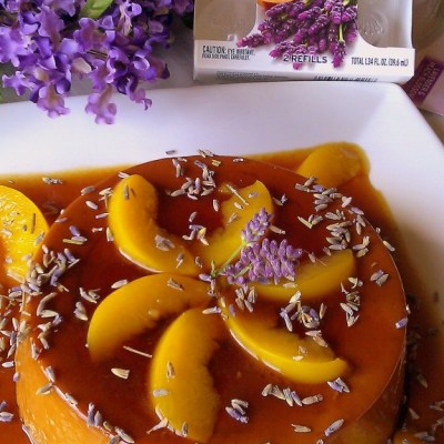 Flan con Flor de Lavanda y Durazno