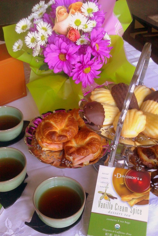 Tea Party with Donsuemor Madeleines