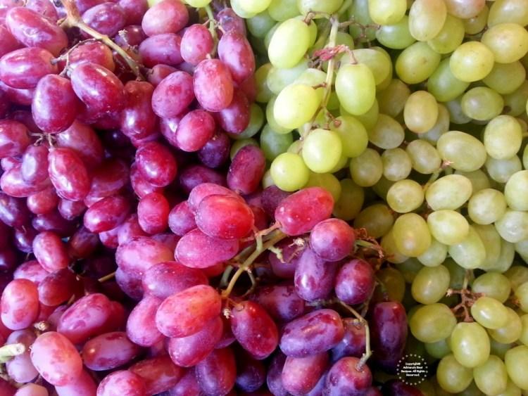 Las doce uvas que simbolizan las resoluciones para los 12 meses del año venidero