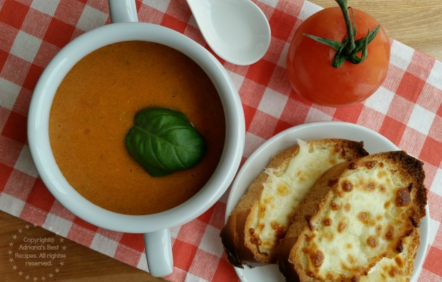 Fresh Heirloom Tomato Bisque made with organic heirloom tomatoes and yellow beets #LentenRecipes #ABRecipes