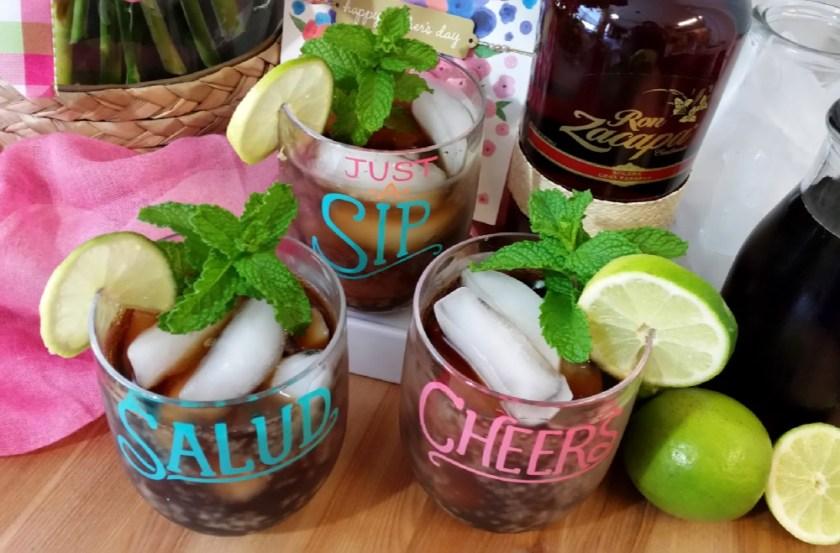 Brindemos con una bebida de la coctelería cubana hecha con ron de Guatemala y coca cola,  un coctel perfecto para las fiestas.