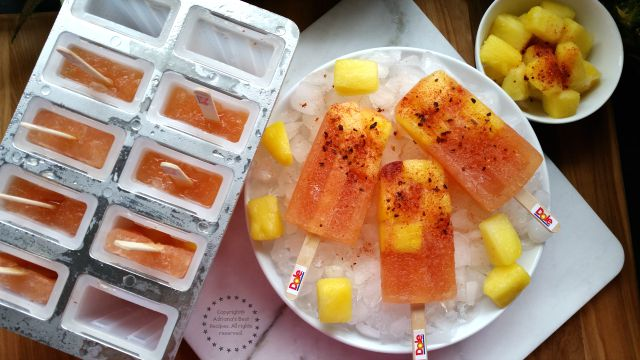 Pineapple Chamoy Ice Pops with a Mexican Twist #DOLEcioso #ad