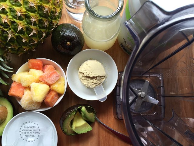 Making the Mexican Green Smoothie with Avocado #BestLifeProject #ad